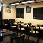 カトマンドゥカリーPUJA - 2階は貸切でパーティーなどを行うのに最適なスペースにもなります。全席禁煙です