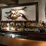 日比谷 Bar - 流木が特徴的なバックバー