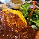 Hanakafeburumizu - サラダ、前菜、オムライス、スープはカボチャとシメジのコンソメ仕立て。