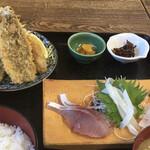 佐島かねき - 料理写真:刺身とミックスフライ定食