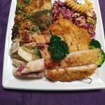 ペール - 料理写真:左上から時計回りに、グラタン、フジッリ、チキンカツレツココナツ衣、根菜のサラダ