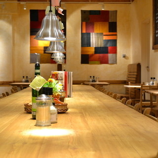 ベルギー直輸入の家具はまるで海外のカフェレストラン