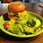 141224671 - チキンバーガー&サラダ