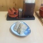 大徳屋 - かしわ飯のおにぎり。安心テイスト。