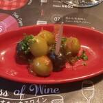 Bistro Ginsai - チャージ・オリーブのトマト煮