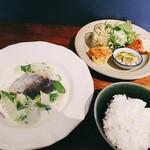 SATO - 秋鮭と旬野菜のクリーム蒸しランチ