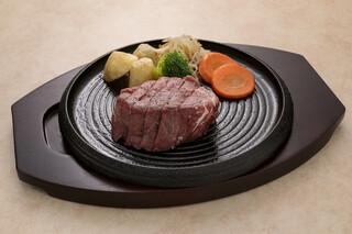 えすと - フィレステーキ。あっさりとした赤身肉がお好みの方にオススメ。