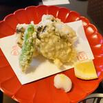 やま竹 - 牡蠣の天ぷら 790円