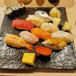 豊鮨 - 料理写真:にぎり11貫いくら.ver