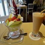 フルーツカフェ タマル - フルーツパフェ&ミックスジュース