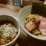 自家製麺 つきよみ - 料理写真:魚介とんこつつけ麺(小)