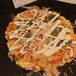 コウゲツsince1978 - お好み焼き ブタとチーズトッピング