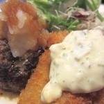 洋食の店 アラカルト - 美味しいタルタル、白身魚。