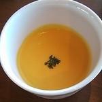 14128588 - 冷たい人参のスープ