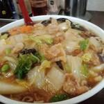 喜龍園 - うま煮そば780円(大盛+90円)