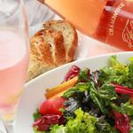 ラグーン - こだわりのワインと一緒に当店のプロヴァンス料理をお楽しみ下さいませ。