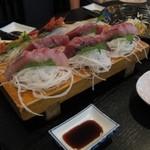 魚吉 - 料理写真:刺身