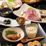 稲月 - 3000円コース 前菜、海鮮サラダ、おさしみ、お寿司、天ぷら、酢の物、とめ碗、デザート +1500円飲み放題