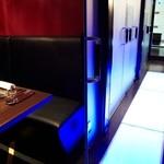 新宿イタリアン カルボナード - 2階個室席はデートや大事な接待などお話しをしながらお食事するには最適なお席です。