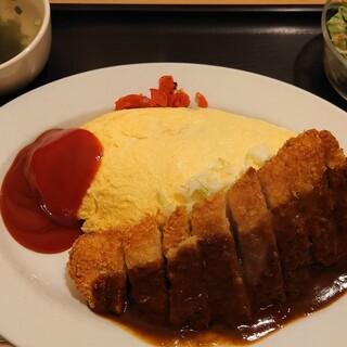 洋食 ともんちゃ - 料理写真:オムかつセット