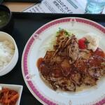 レインボースポーツランドゴルフクラブ - 料理写真:ポーク味噌焼き定食 追加330円
