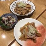Sakabarudarumashouten - 早メニュー。「鷄皮ポン酢」は普通に美味しかった。