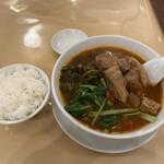 青葉 新館 - 台湾風牛バラ高菜そば  ご飯