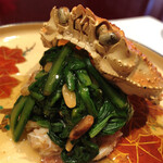 fukuyoshi - 蟹身と菊菜に木の実がいいアクセント♬