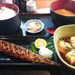 お食事処 ちぎら - 料理写真:ランチB→さんま塩焼き定食