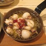 トロバコ - 小イカのガーリックオイル煮