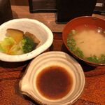 ginsharitokyuushuuumaimonnomisekuroan - サラダと味噌汁