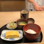 141332941 - 絶品卵焼き 銀シャリ お味噌汁 香の物