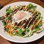 Taimupisukafe - ランチセット(税込 1,450円)評価=◯ :あまから肉味噌丼 温泉卵のせ