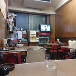 中華料理 五十番 - テレビはいつもついています。