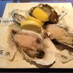 14134014 - 生牡蠣四種盛り。