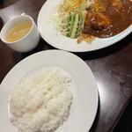 メルカート - チーズハンバーグと唐揚げ(ライス・スープ付き)