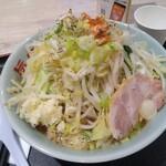 旨い安い腹いっぱい - ラーメン 750円(税込) 野菜マシ、大蒜マシ