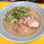 味心 - 料理写真:「塩とんこつラーメン」(600円)をいただきました。