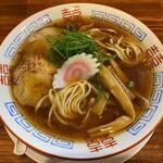 麺屋 隊長 - 料理写真:平打ちストレート太麺