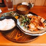 旬肴居酒屋 味人 - 生姜焼き定食