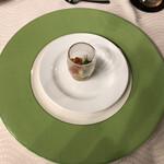 プルミエ - 前菜。下津井の蛸とイクラ、胡瓜等が入っていました。