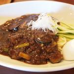 ジャスミン - 夏野菜の入ったジャージャー麺