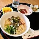 成田屋 - 冷麺定食(980円)のビビンバ