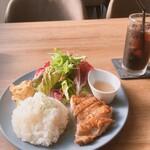 CAFE&DINER kotonoha - チキンプレート/アイスコーヒー