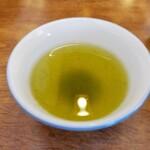 がんこ親父 - 料理写真:このお茶が美味しいです。