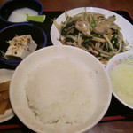 14139490 - レバニラ炒め定食480円