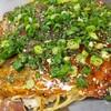 お好み焼 よっちゃん - 料理写真:肉玉そば(イカ天・ネギ)(710円)