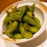 旬彩酒処 貴しん - わさび枝豆¥350。ツーン!とするワサビ味がしっかり