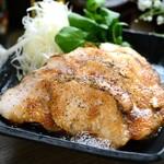 奥三河鶏の自家製ローストチキン