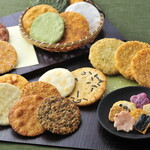 エス・テラス - 料理写真:お煎餅の種類豊富です